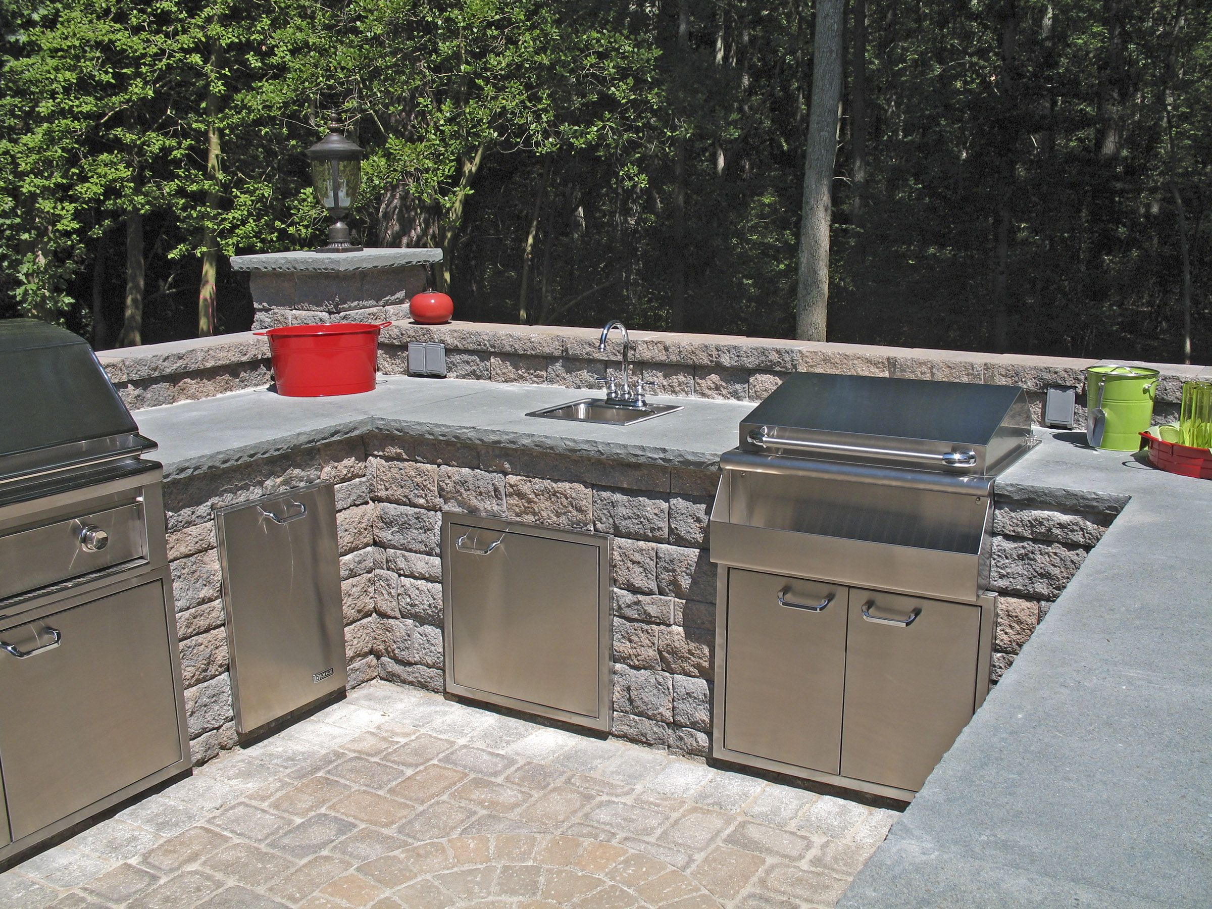 Featured product maytrx wall stone castlelite block for Outdoor kitchen wall ideas
